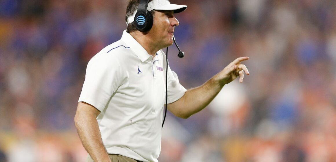 Florida's Dan Mullen wants to risk 90,000 lives because he can't coach under pressure