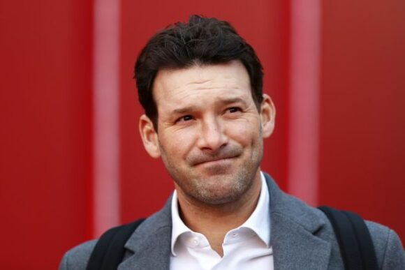 Tony Romo tosses credibility out the window for allegiance to Tom Brady