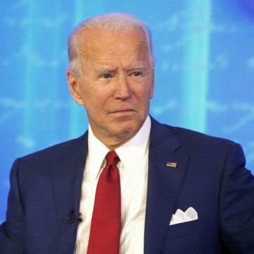 [VIDEO] Biden Voters Interviewed On The Street Can't Name One Good Thing He's Done…